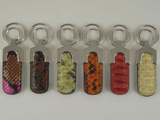 Esclusivo portachiavi in pitone Multicolor 1 TL140733